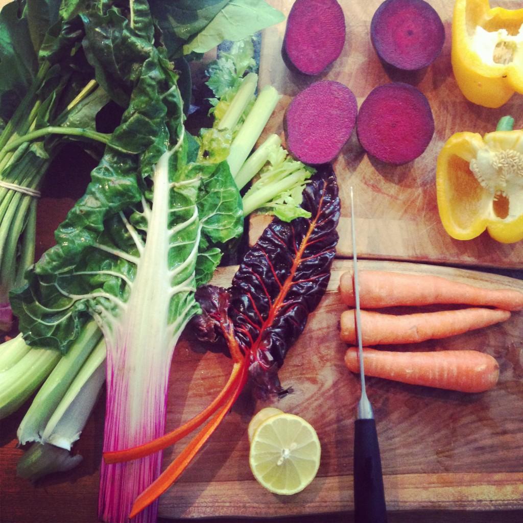 Ruby chard, bell pepper, lemon & carrot juice
