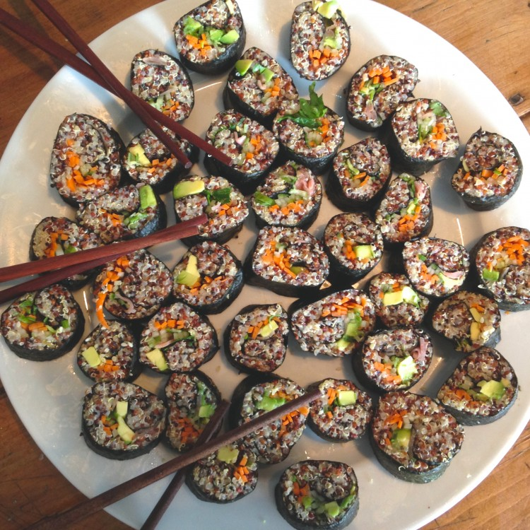 Quinoa & tahini sushi, vegetarian sushi recipe, how to make healthy sushi