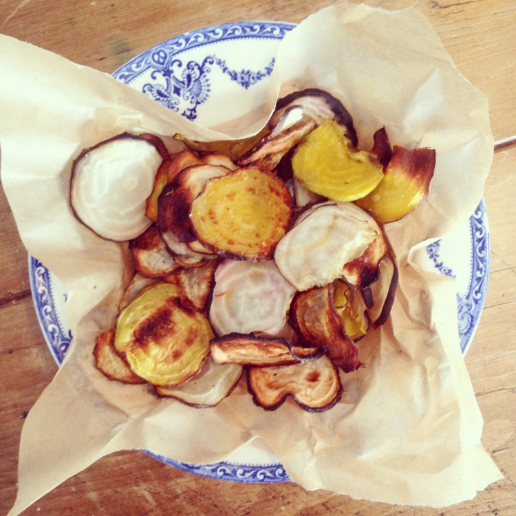 Candy and golden beetroot crisps, healthy snack recipe, how to make beetroot crisps