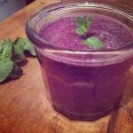 Green tea, spinach & berry smoothie
