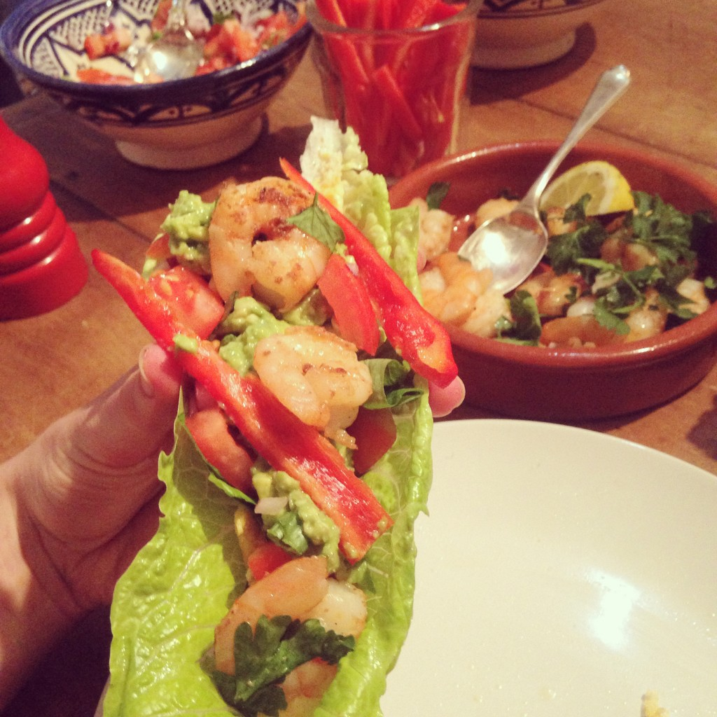 Lettuce wrap with coriander prawns & basil salsa