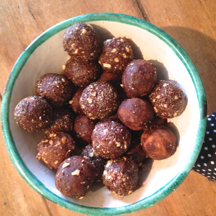 Triple nut & raw cacao protein bites