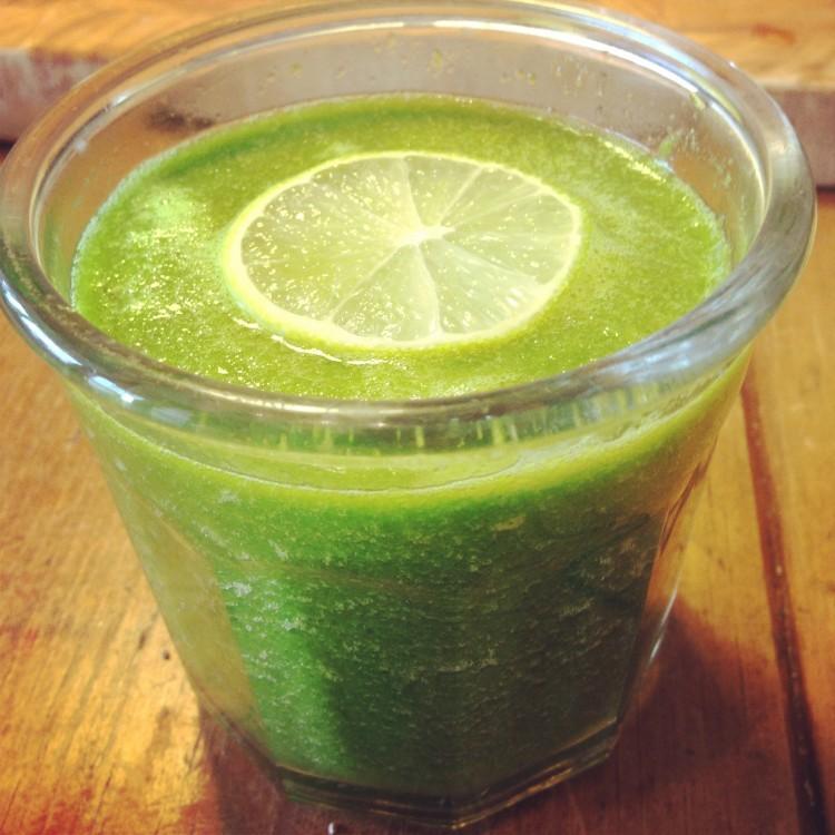 Green alkazlier smoothie