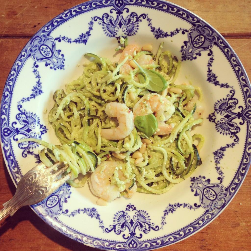Lemon & basil pesto courgetti with garlic prawns
