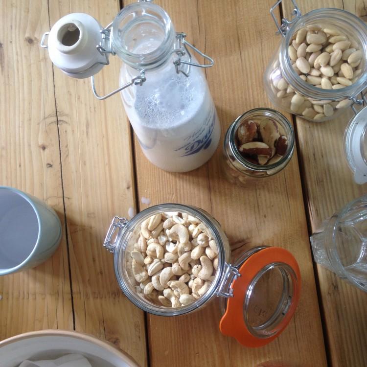 How to make your own nut milk, nut milk, nut milk ingredients, nut milk recipe